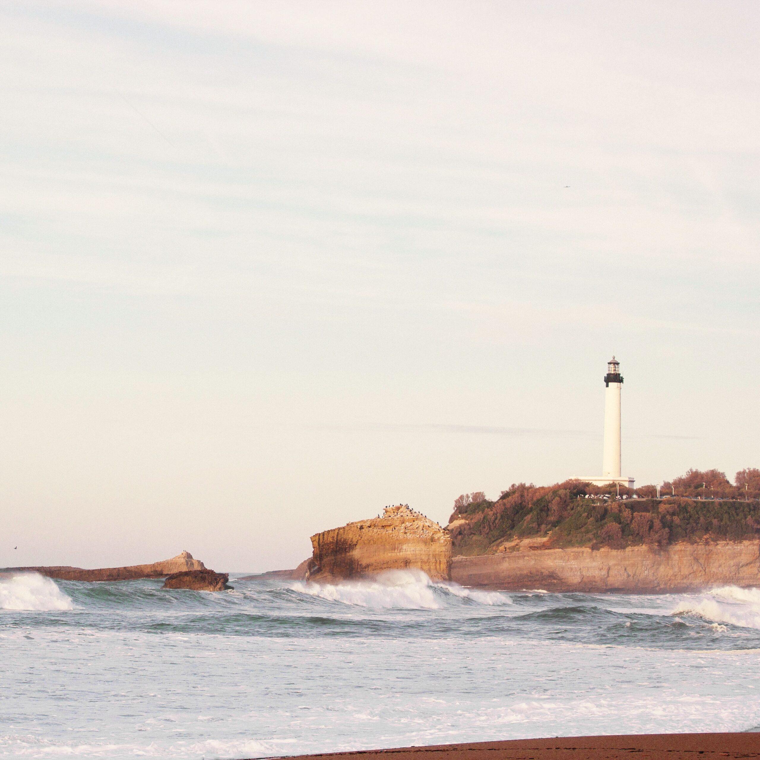 Aloha Care Naturalna Świeca Zapachowa EQ Love Biarritz